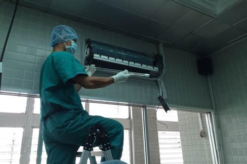 Lắp đặt đèn uvc khử khuẩn HO